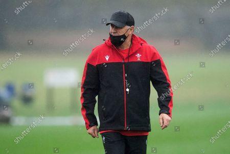 Wayne Pivac during training.