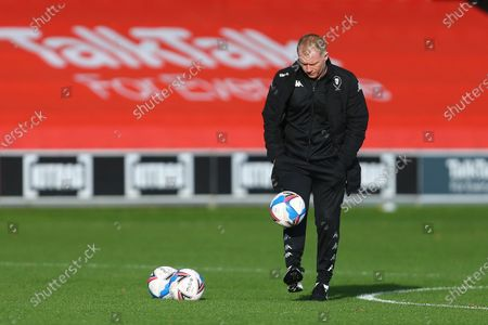 Paul Scholes, interim manager of Salford City does keep ups