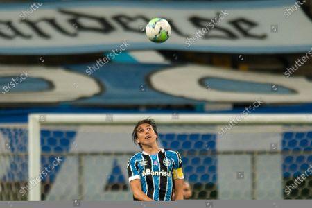 Pedro Geromel of Gremio climbs to head away from danger; Arena do Gremio, Porto Alegre, Rio Grande do Sul, Brazil; Brazil Cup, Gremio versus Juventude.