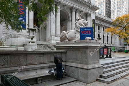 New york city public library encourages people to vote