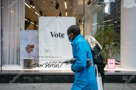 New york city business encourages people to vote
