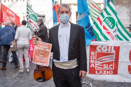 Protest of Entertainment Workers in Rome, Roma, RM, Italy - 30 Oct 2020 新闻传媒图片