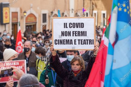 Protest of Entertainment Workers in Rome, Roma, RM, Italy - 30 Oct 2020 新闻传媒照片