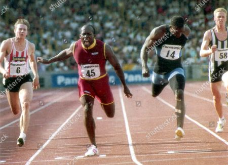 John Regis - Athletes - 1992 It Was A Dramatic End To Two Days In Which Britain Sorted Out The Team Of Around 90 Which The Selectors Will Announce This Morning. But It Was Not The Only Drama - John Regis Beating Linford Christie By Nothing More Than A Deeper Chest At 200m Also Qualified As A Heart Stopper. Regis Has Lost Every Race To Christie At 100m And 200m This Summer And Some Badly But This Justified His Dogged Refusal To Panic. He Came Off The Bend First Held Off His Team Captain Down The Straight And Edged Away In The Last Five Strides.... Pkt2558 - 174156