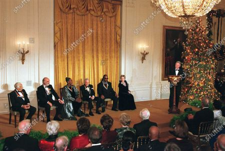 1999 Kennedy Center Honorees Victor Borge, Sean Connery, Judith Jamison, Jason Robards and Stevie Wonder with first lady Hillary Rodham Clinton listen to United States President Bill Clinton's remarks at a White House reception in their honor hosted by President and Hillary Clinton in Washington, D.C...Credit:Robert Trippett-Pool / CNP