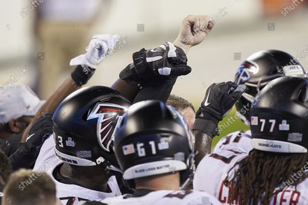 Atlanta Falcons center Matt Hennessy (61) prior to an NFL football game against the Carolina Panthers, in Charlotte, N.C
