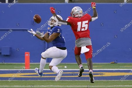 San Jose State Spartans wide receiver Isaiah Hamilton (9) catches a touchdown past New Mexico safety Letayveon Beaton (15) during the first half of an NCAA football game on in San Jose, Calif
