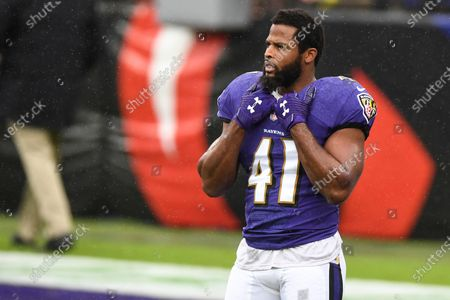 Baltimore Ravens defensive back Anthony Levine (41) looks on before an NFL football game against the Pittsburgh Steelers, in Baltimore