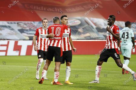 (L-R) Mario Gotze, Mohamed Ihattaren, Eran Zahavi and Ibrahim Sangare of PSV Eindhoven celebrate the 1-0 goal during the Dutch Eredivisie match between PSV Eindhoven and ADO Den Haag at the Phillips stadium in Eindhoven, The Netherlands, 01 November 2020.
