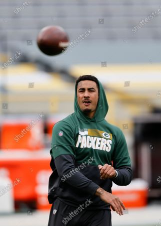 Green Bay Packers' Jordan Love practices before an NFL football game, Sunday, Nov 1. 2020, between the Minnesota Vikings and Green Bay Packers in Green Bay, Wis