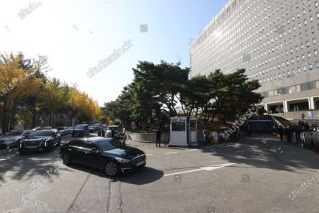 A car carrying former President Lee Myung-bak arrives at the Seoul Central Prosecutors Office in Seoul, South Korea, 02 November 2020. The Supreme Court on 29 October upheld a lower court ruling of a 17-year prison term for Lee, who was out on bail, for embezzlement and bribery.