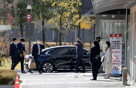 A car carrying South Korea's former President Lee Myung-bak arrives at Dongbu Detention Center in Seoul, South Korea, 02 November 2020. The Supreme Court on 29 October upheld a lower court ruling of a 17-year prison term for Lee, who was out on bail, for embezzlement and bribery.