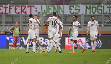 Andre Hahn ( FC Augsburg)  2:1, Amaral Borduchi Iago #22 (FC Augsburg), Felix Udokhai #19 (FC Augsburg), Alfred Finnbogason #27 (FC Augsburg), Rani Khedira #8 (FC Augsburg)