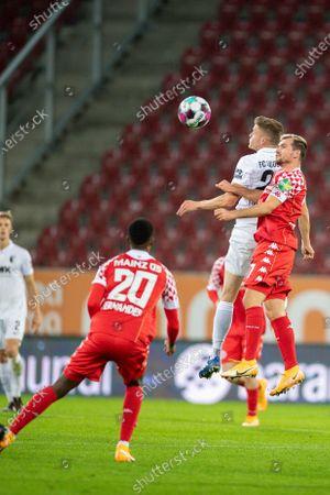 Ribeiro E. Fernades (FSV Mainz 05, #20), Robin Quaison (FSV Mainz 05, #07), Alfred Finnbogason (FC Augsburg #27)