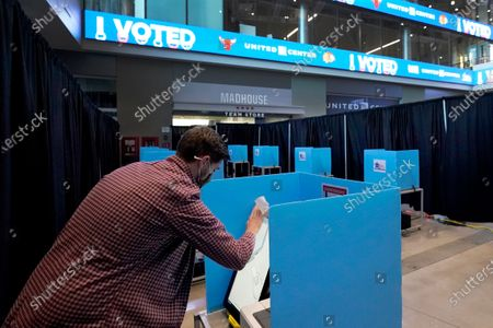 Editorial photo of Election 2020 Illinois Voting, Chicago, United States - 03 Nov 2020