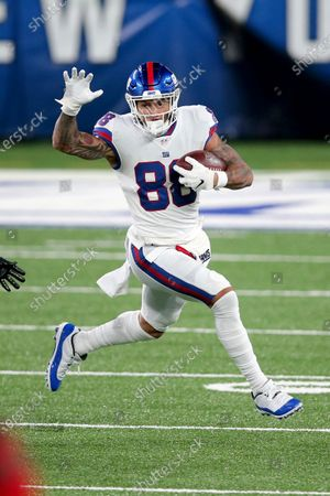 New York Giants tight end Evan Engram (88) in action against the Tampa Bay Buccaneers during an NFL football game, in East Rutherford, N.J