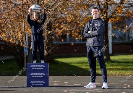 Aldi has announced today the signing of Ireland rugby international James Ryan as an ambassador for the Aldi Play Rugby Programme. James joins Paul O'Connell on the team, with Paul having worked with Aldi since Aldi's partnership of the programme commenced in 2016. James is pictured here with Ruby Gartland, pupil at Scoil Maelruain, Old Bawn, Tallaght, Dublin. James kicked off his role with a socially-distant delivery of Aldi Play Rugby training equipment to Scoil Maelruain, Old Bawn, Tallaght who will be among the primary schools participating in the programme with online support from the IRFU community rugby officers. Today's announcement underpins Aldi's ongoing commitment to and support of the sport of rugby as the Official Fresh Food partner to the IRFU. For more information see www.aldi.ie/playrugby.