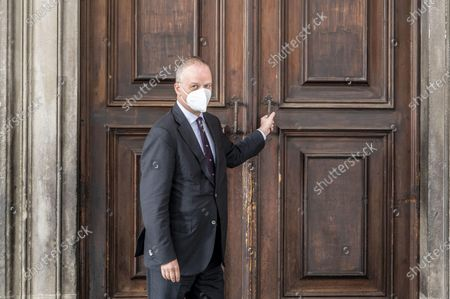 The director of the Uffizi Galleries in Florence, the German art historian Eike Dieter Schmidt, personally closes the entrance door to the Gallery in Florence, Italy, 04 November 2020. All Italian museums will be closed as of 05 November as part of a new decree to curb the spread of Covid-19.