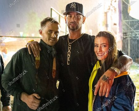 Stock Photo of MK - Marc Kinchen with fans