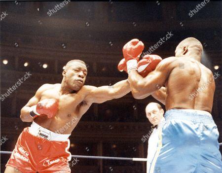 Gary Mason - Boxer - 1990 British Heavyweight Champion Gary Mason And James Pritchard At Albert Hall Stopped 9th Round.... Picture Desk ** Pkt3798-272013