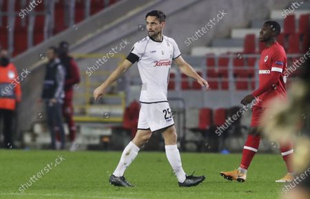 James Holland of LASK walks off after seeing a red card (second yellow card) during the UEFA Europa League group J match between Royal Antwerp and LASK Linz in Antwerp, Belgium, 05 November 2020.