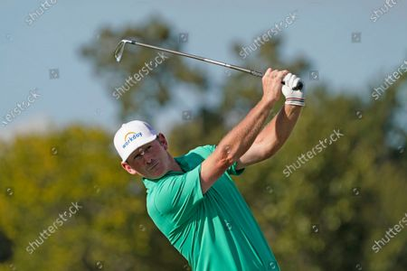 Brandt Snedeker hits his tee shot on the 11th hole during the first round of the Houston Open golf tournament, in Houston