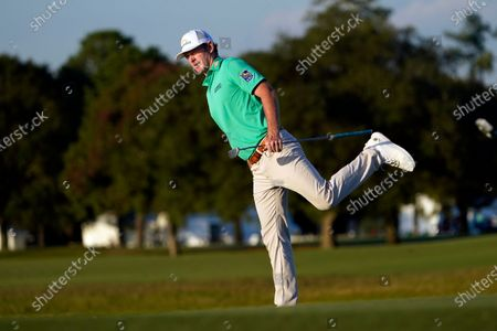 Brandt Snedeker reacts after missing a birdie putt on the 17th hole during the first round of the Houston Open golf tournament, in Houston
