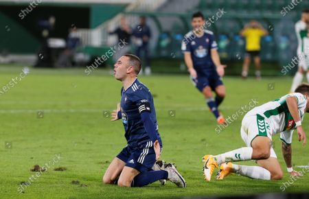 Celta's striker Iago Aspas (C) reacts during the Spanish LaLiga soccer match between Elche CF and Real Club Celta Vigo held at Martinez Valero stadium in Elche, Alciante, eastern Spain, 06 November 2020.