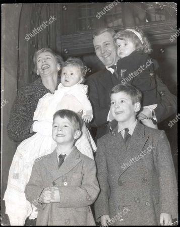 Anthony Wedgwood Benn - 1960 Anthony Wedgwood Benn With Wife Caroline And Children: Stephen (born 1951) Hilary James (1953) Joshua (1958) And Melissa (1957). Tony Benn Mp