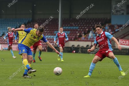 Stephen Gleeson #8 of Solihull Moors shoots during the game