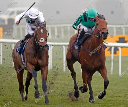 BANNA (right, James Doyle) beats SUPER DEN (left) in The Betfair Each Way Edge Novice Stakes Doncaster
