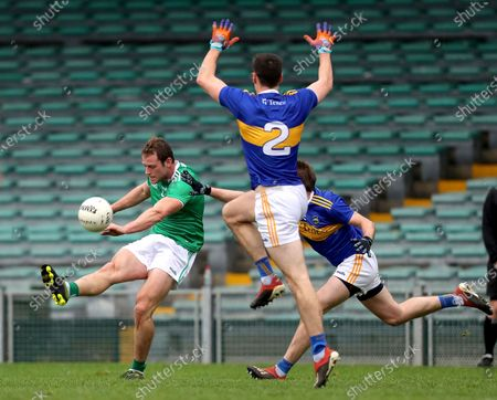 Limerick vs Tipperary. Limerick's Darragh Treacy and Bill Maher of Tipperary