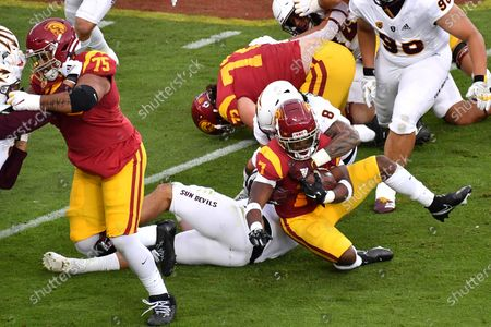 Los Angeles, CA.USC Trojans running back Stephen Carr #7 runs in action during the first quarter the NCAA Football game between the USC Trojans and the Arizona State Sun Devils at the Coliseum in Los Angeles, California