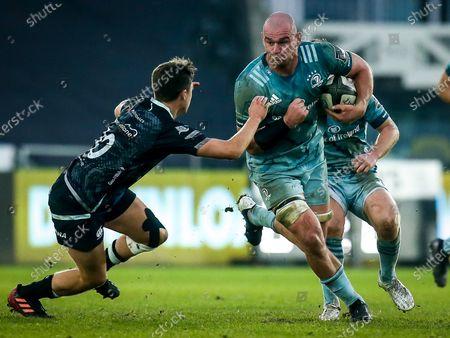 Ospreys vs Leinster. Leinster's Rhys Ruddock comes up against Josh Thomas of Ospreys