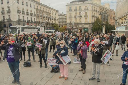 Rastro workers demonstrate against the Government of Jose Luis Rodriguez Almeida to demand the reopening of 50% of their businesses, because they risk that the historic vendors disappear due to the crisis.
