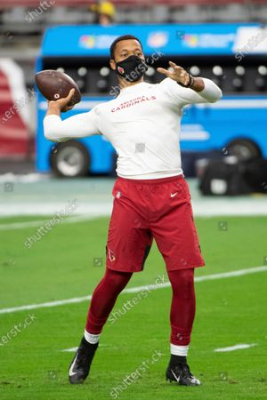 Arizona Cardinals quarterback Brett Hundley (7) warms up prior an NFL football game against the Miami Dolphins, in Glendale, Ariz