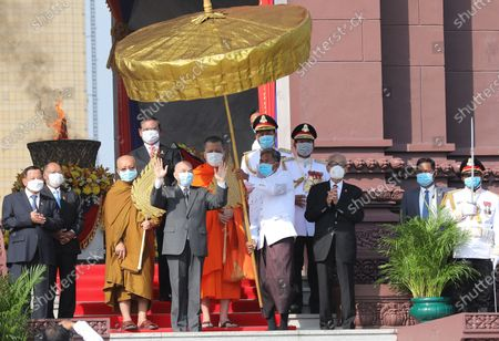 Cambodian King Norodom Sihamoni (C) greets well-wishers during a ceremony at the Independence Monument in Phnom Penh, Cambodia, 09 November 2020. Cambodia marked its 67th anniversary of independence from France on 09 November 2020.