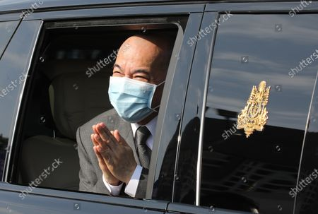 Cambodian King Norodom Sihamoni greets well-wishers in an official car during a ceremony at the Independence Monument in Phnom Penh, Cambodia, 09 November 2020. Cambodia marked its 67th anniversary of independence from France on 09 November 2020.