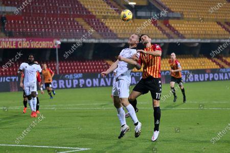 Tommaso Pobega (Spezia Calcio) and Christian Maggio (Benevento Calcio)