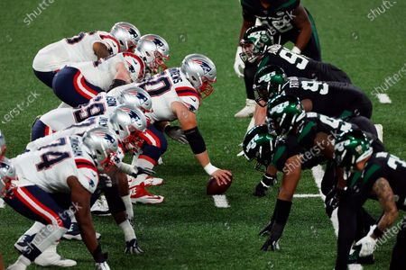 New England Patriots center David Andrews (60) in action during an NFL football game against the New York Jets, in East Rutherford, N.J