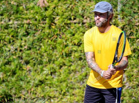Exclusive - Pete Wentz plays tennis at a park in Studio City