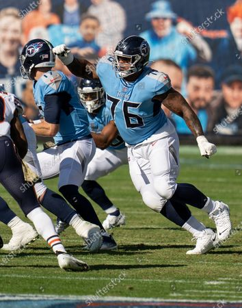 Tennessee Titans offensive guard Rodger Saffold III (76) plays against the Chicago Bears during an NFL football game, in Nashville, Tenn