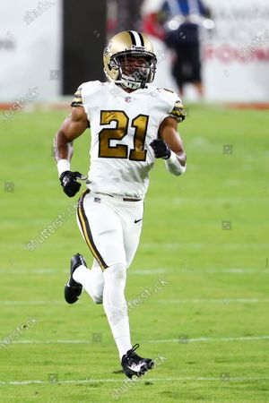 New Orleans Saints cornerback Patrick Robinson (21) runs down the field during the first half of an NFL football game against the Tampa Bay Buccaneers, in Tampa, Fla