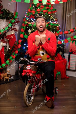 Editorial picture of Jason Manford, Sky Cinema's biggest Elf fan competition, UK - 11 Nov 2020