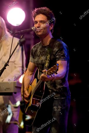 Stock Photo of Richard Marx performs with RINGO STARR AND HIS 9th ALL STARR BAND at the Rosemont Theater in Rosemont, IL.
