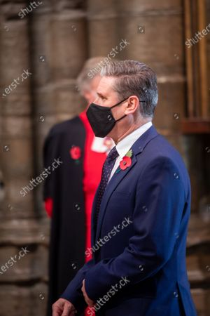 Keir Starmer arrives with mask and Poppy