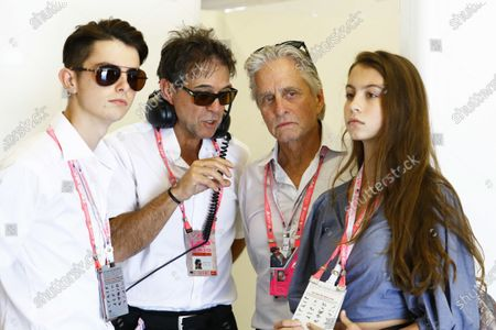 Circuit of the Americas, Austin, Texas, United States of America. Sunday 22 October 2017. Michael Douglas in the McLaren garage. World Copyright: Steven Tee/LAT Images