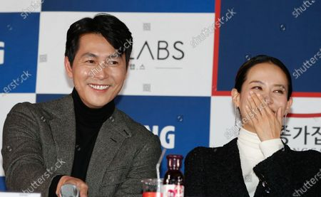 Jung Woo-sung (L) and Cho Yeo-jeong (R) attend a handprint event before The 41th Blue Dragon (Cheongryong) Awards; at the CGV Yeouido theater in Seoul, South Korea, 12 November 2020. The Blue Dragon (Cheongryong) Awards are one of the country's two major film awards. The award ceremony will take place in Paradise City, Art Space Plaza in Incheon, South Korea on 11 December 2020.