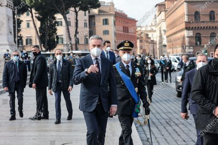 Minister od Defence Lorenzo Guerini (L) and Chief of Defense Staff Enzo Vecciarelli during the celebration at the Altar of the Fatherland