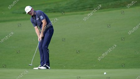 Brandt Snedeker of the US putts on the second hole during the first round of the 2020 Masters Tournament at the Augusta National Golf Club in Augusta, Georgia, USA, 12 November 2020. After being delayed seven months by the coronavirus pandemic, the 2020 Masters Tournament is being held without patrons 12 November through 15 November.